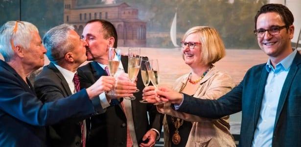 Alemanha realiza primeiro casamento gay da história
